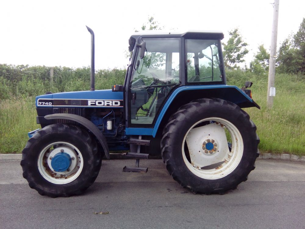 6100 Ford Tractor : Ford tractors mcmurray